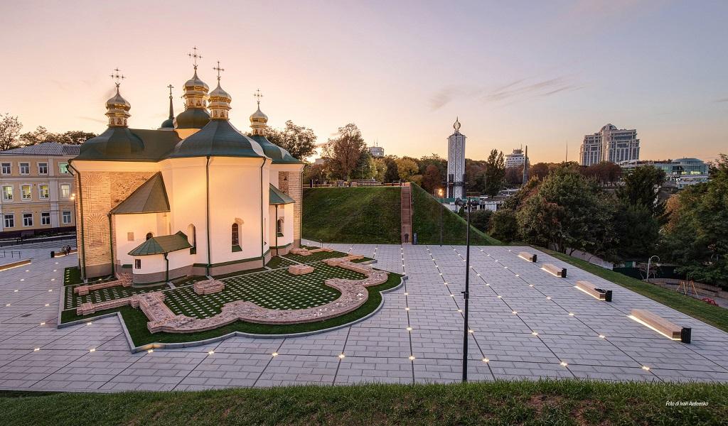 SPASSKY BASTION & CHURCH SQUARE