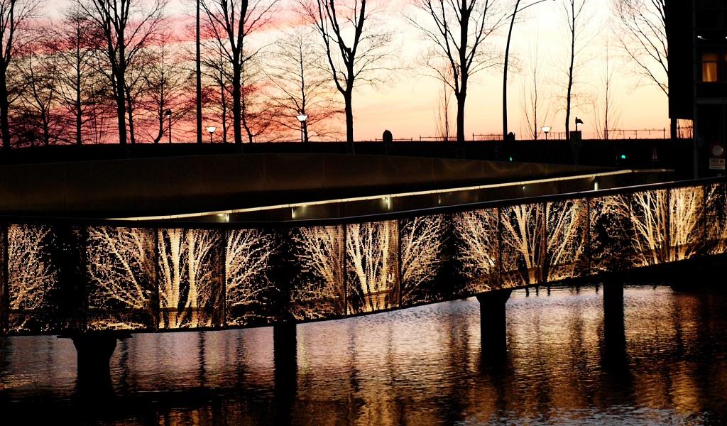 HOOFDDORP: UNDULATING BRIDGE